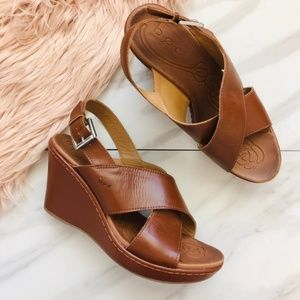 B.o.c leather sandals wedges size 9